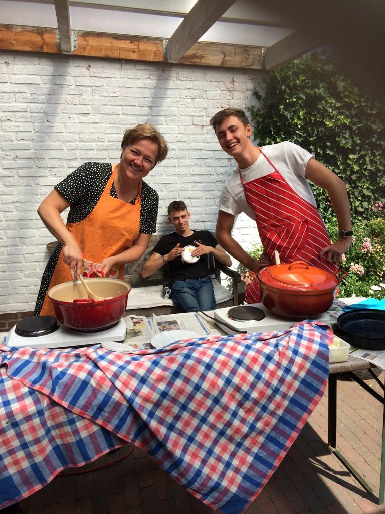 Eten voorbereiden kamp 2019